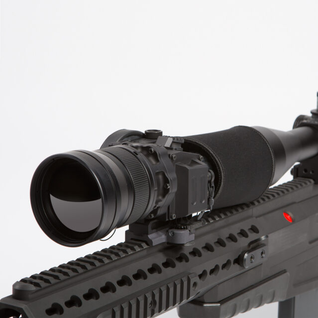 LW75 Thermal Weapon Sight Mounted on Weapon